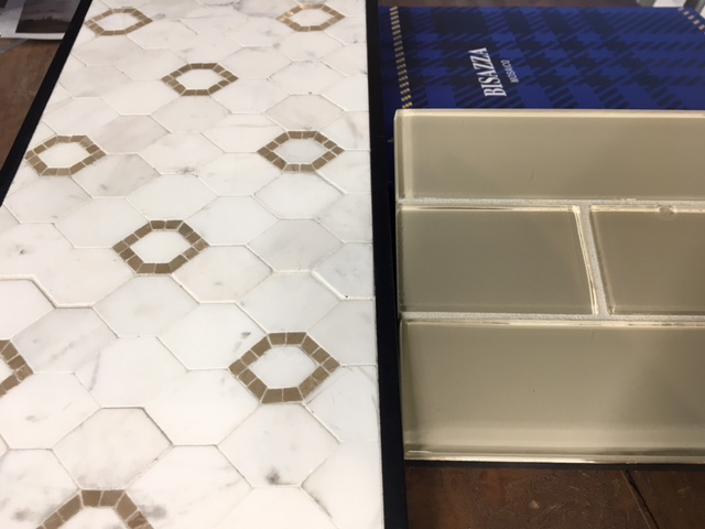 jeffrey court mosaic with glass subway tile